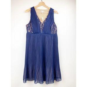NEW MOTHERHOOD Lace Pleated V-Neck Dress S